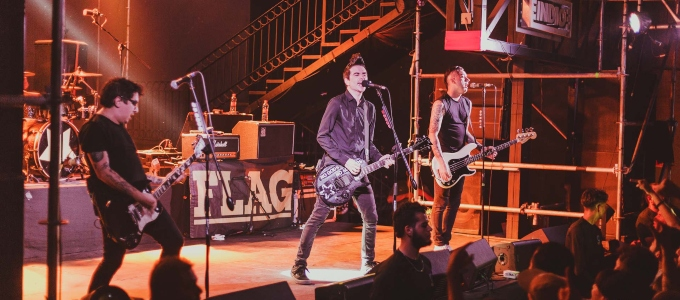 http://vulgartopic.com/wp-content/uploads/2019/08/Anti-Flag-15-crop.jpg